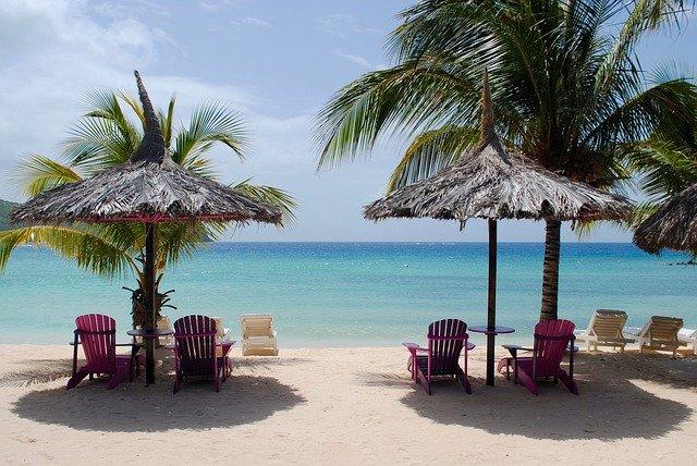 ombrelloni spiaggia mare